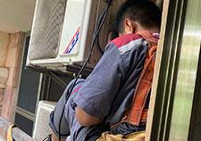 格力空调维修现场,专业维修空调